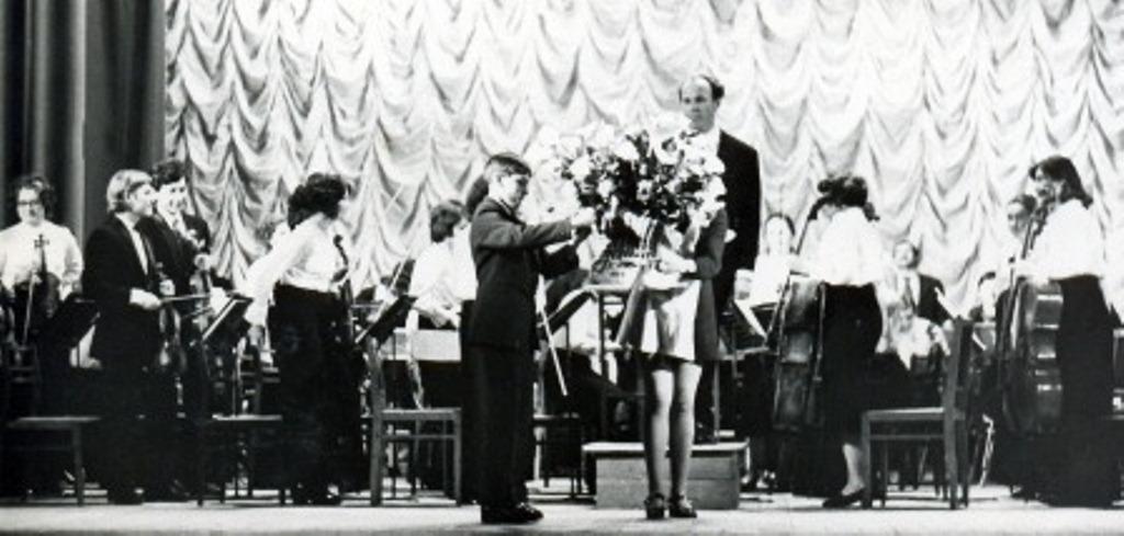 Симфонічний оркестр училища Диригент Вазін Г. А. 70ті рр.