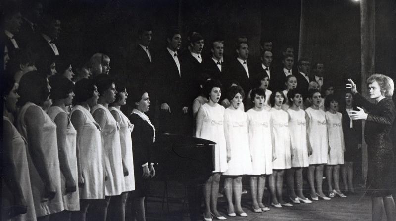 Хор під кекрівництвом В.М.Мілютіної, 1972р.