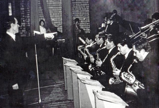О.І.Моїсеєнко та його оркестр