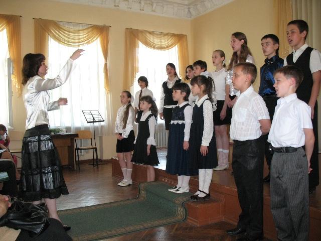 Хор старших класів ОДМШ, керівник - Крекніна К.В.